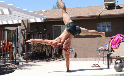 ido-portal-one-arm-handstand